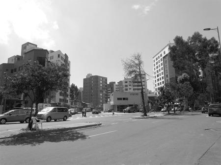 Av. República del Salvador (área residencial)